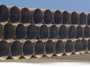 Large-diameter steel pipe forming method
